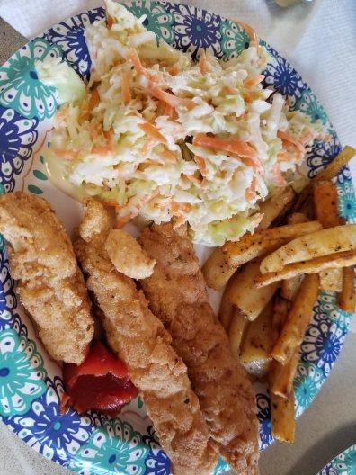 Coleslaw chicken strips meal