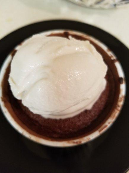 Molten Lava Cake with Ice cream