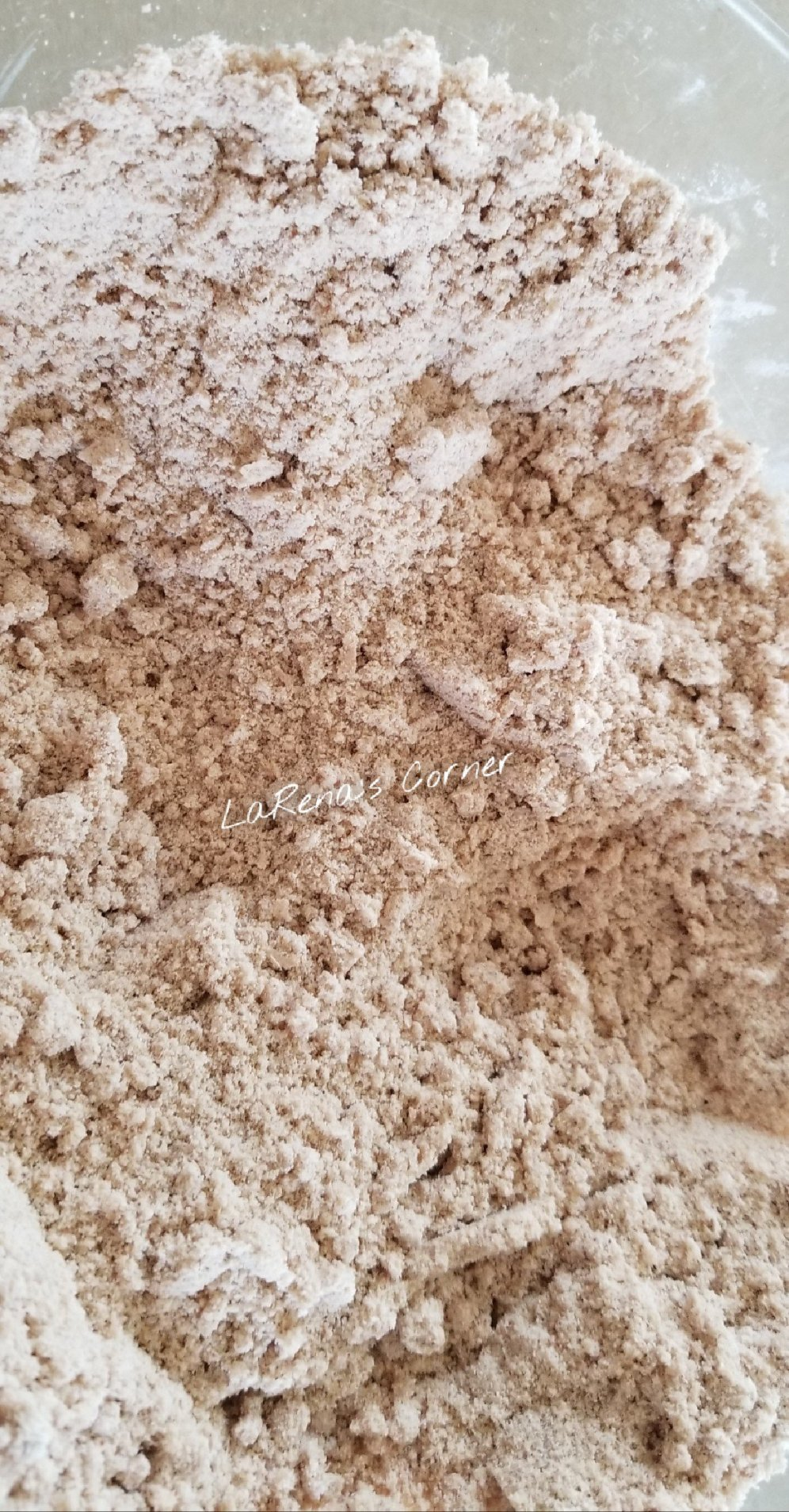 Cassava flour with coconut oil. See the coarse crumbles.